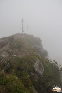 Krzyż na szczycie Pikuja (1408 m)