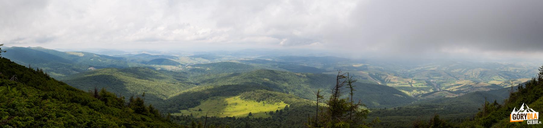 Panorama z trasy na szczyt Pikuja (1408 m)