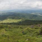Zejście ze szczytu Pikuja (1408 m) w kierunku Wielkiego Menczyła (1036 m)