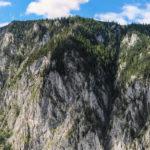 Dolina Große Höllental otoczona jest wysokimi wapiennymi ścianami