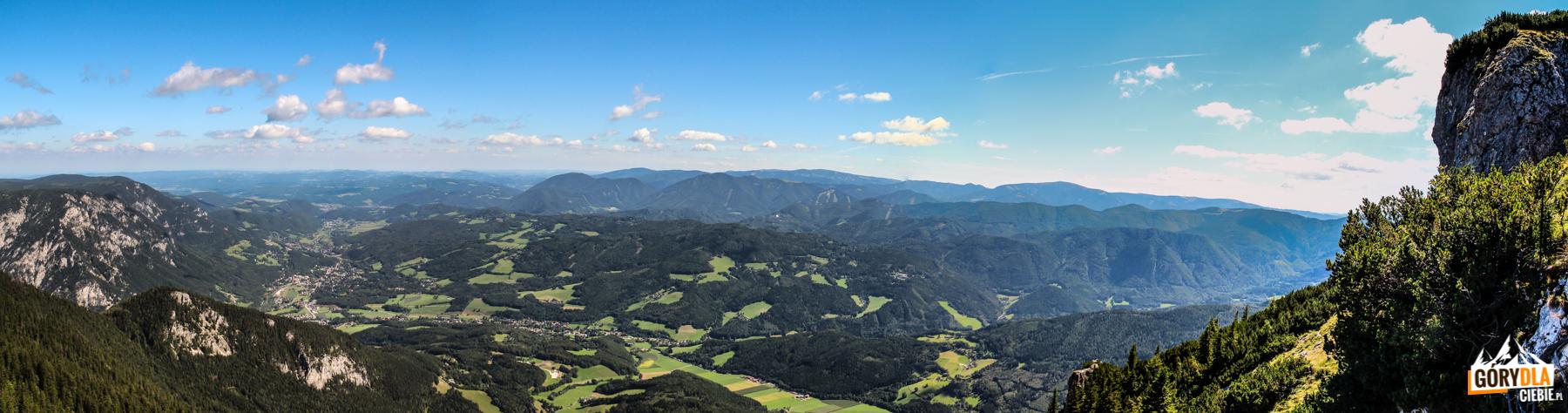 Panorama spod schroniska Ottohaus (1644 m)