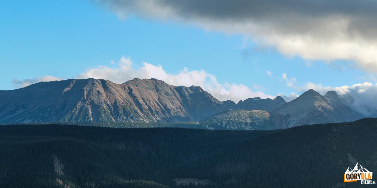 Grań Koszystej, Buczynowe Turnie i Żółta Turnia widziane ze szczytu Nosala (1206 m)
