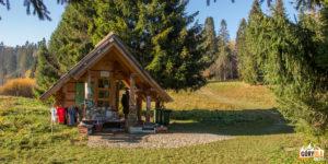 Punkt kasowy Bieszczadzkiego Parku Narodowego - początek zółtego szlaku na Bukowe Berdo