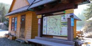 Obidowa - parkingi i tablice informacyjne narciarskich tras biegowych i turystycznych