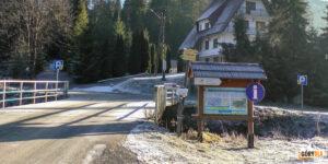 Obidowa - parkingi i tablice informacyjne narciarskich tras biegowych