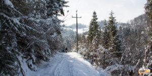 Droga z Polany Rówieńki do skrzyżowania pod Jemeriskowa Skałą