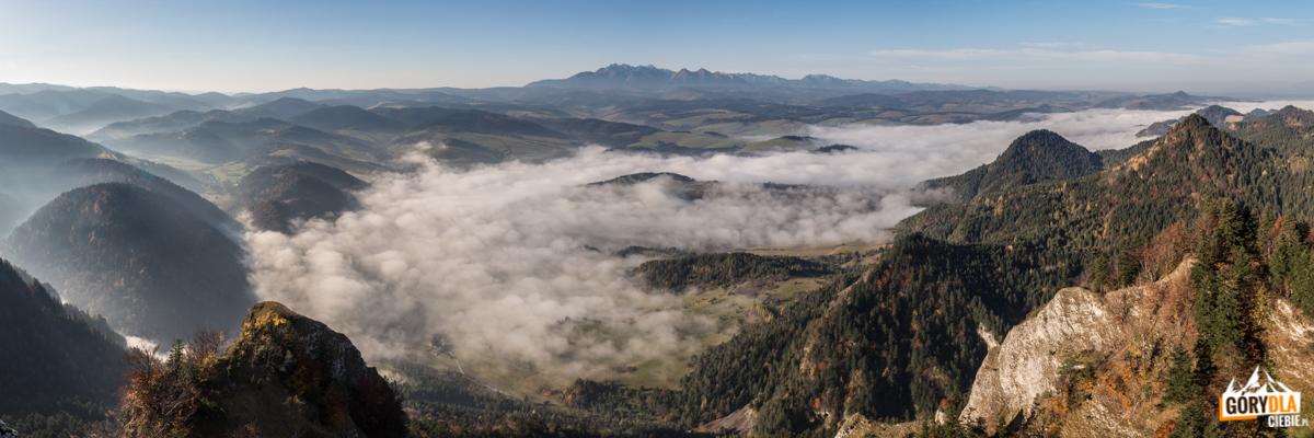 Jesienna panorama Tatr ze szczytu Trzech Koron (982 m)
