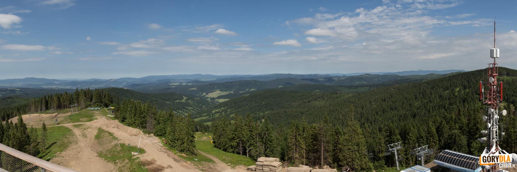 Panorama z wieży widokowej na Pieniny, Magurę Spiską i Beskid Sądecki