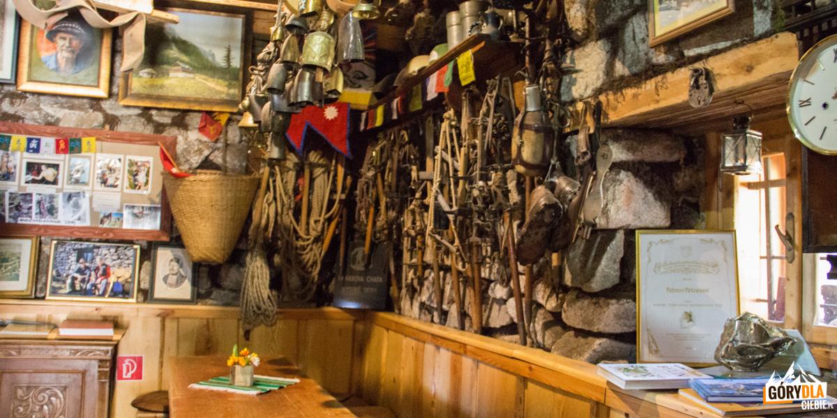 Wnętrze schroniska Rainerowa chata
