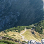 Wyżnia Kondracka Przełęcz i Kondracka Przełęcz widziane spod szczytu Giewontu