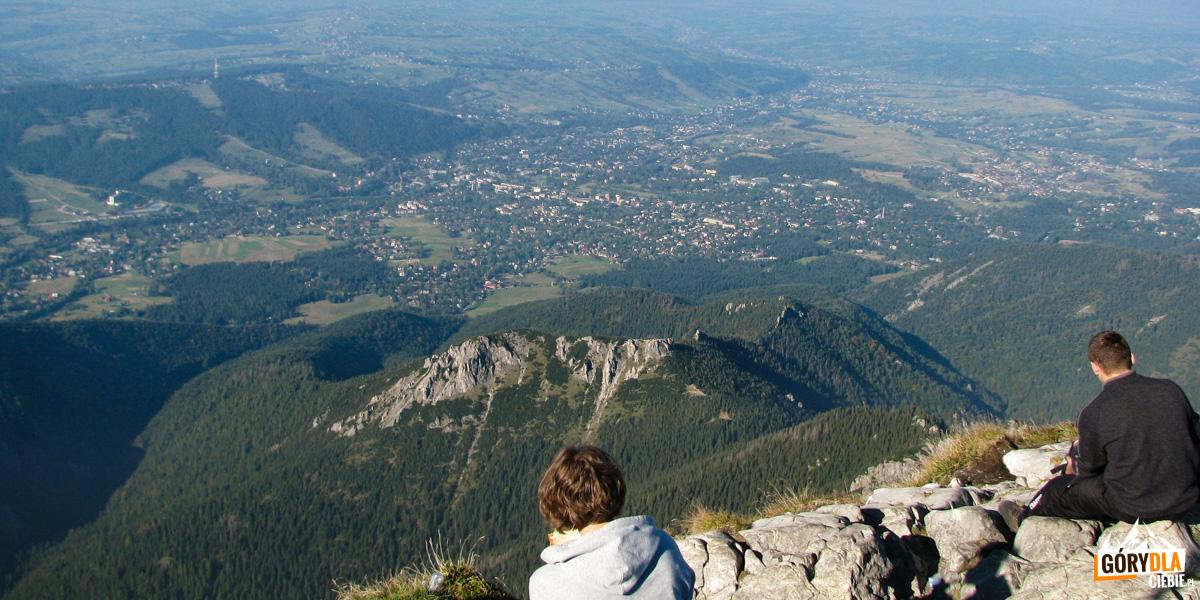Widok ze szczytu Giewontu na Zakopane