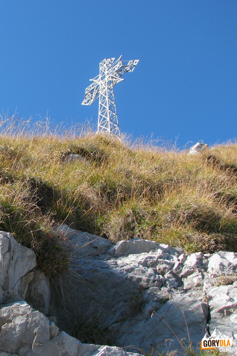 Metalowy krzyż na szczycie Giewontu