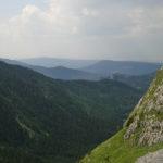 Widok na Dolinę Małej Łąki spod Kondrackiej Przełęczy