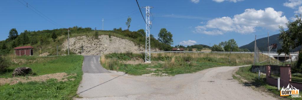 Przystanek autobusowy przy drodze nr 57 w Jasenovej