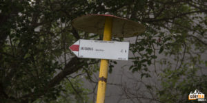 Czerwony szlak ze wsi Jasenová