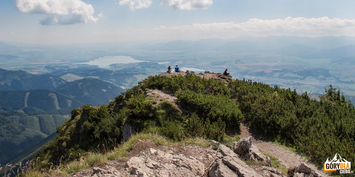 Panorama na Jezioro Liptowskie (Liptovská Mara) ze szczytu Wielkiego Chocza