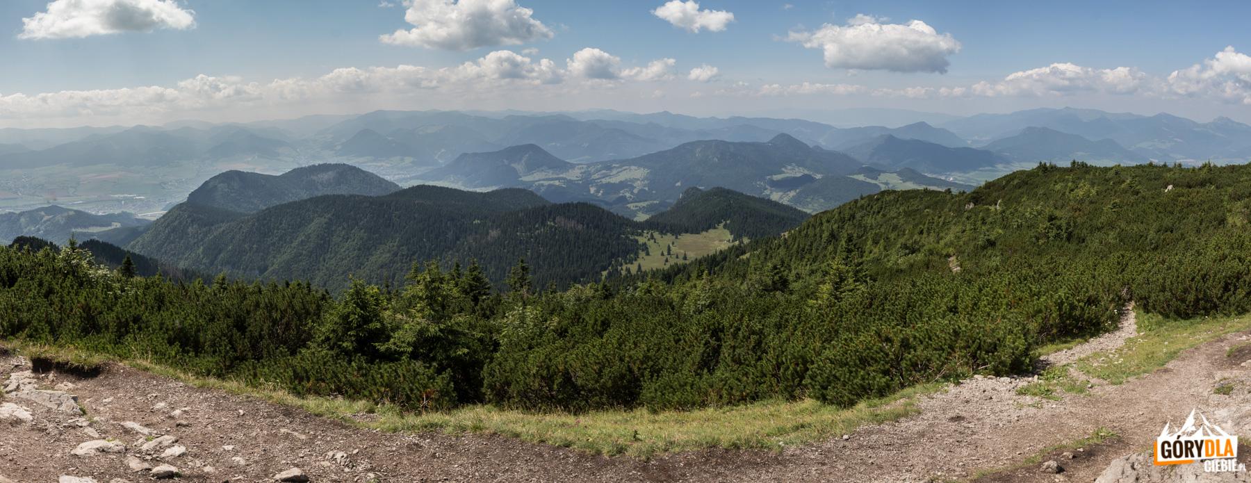 Panoramy ze szczytu Wielkiego Chocza