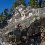Tatrzański Cmentarz Symboliczny pod Osterwą - Skała Himalaistów