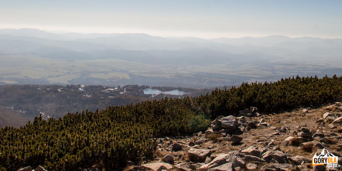 Szczyrbskie Pleso widoczne ze szczytu Osterwy