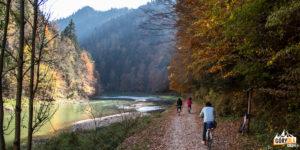 Jesienią Droga Pienińska jest idealnym miejscem na wycieczki rowerowe