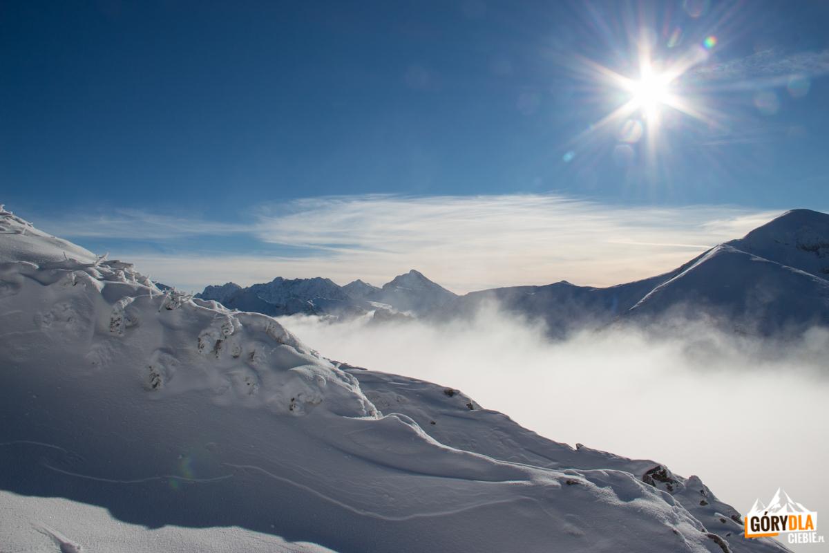 Widok na Granaty, Kozi Wierch i Świnicę powyżej Wyżniej Kondrackiej Przełęczy (1765 m)