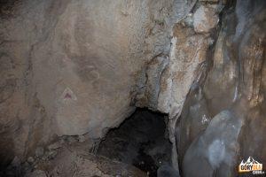 Lodowe nacieki w Jaskini Mylnej
