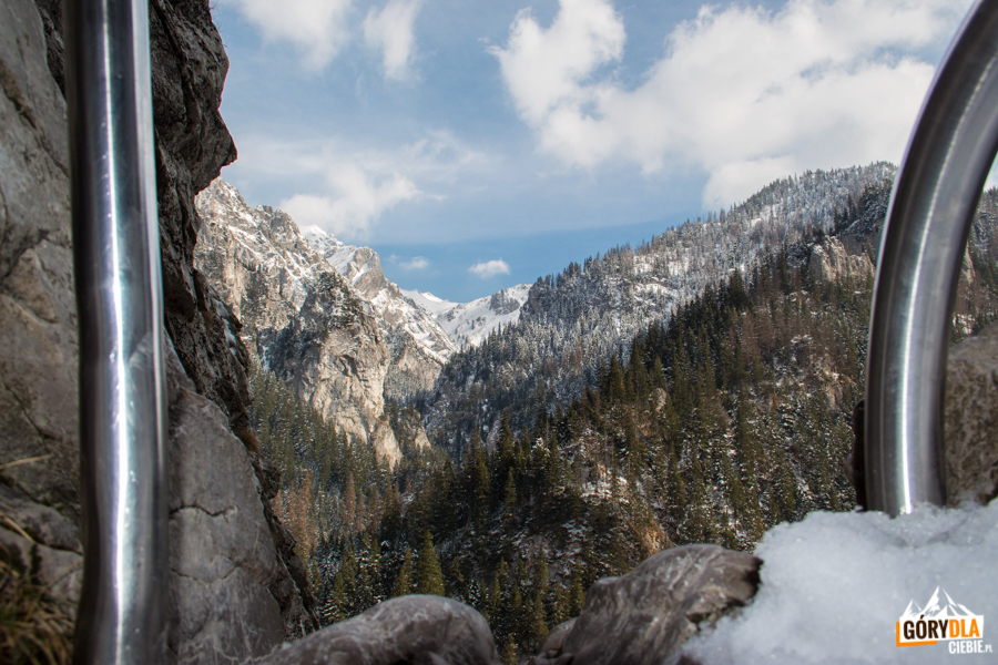Widok z Jaskini Raptawickiej