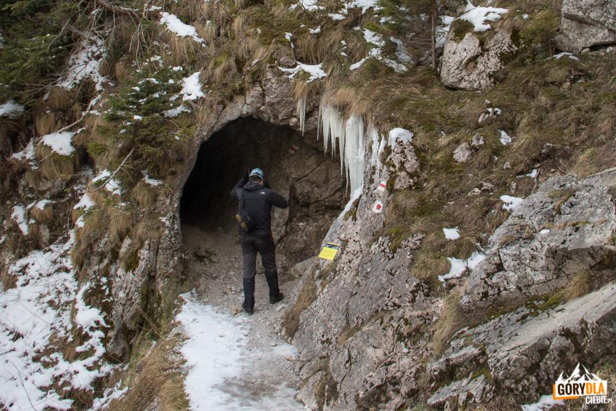 Wejście do Jaskini Mylnej