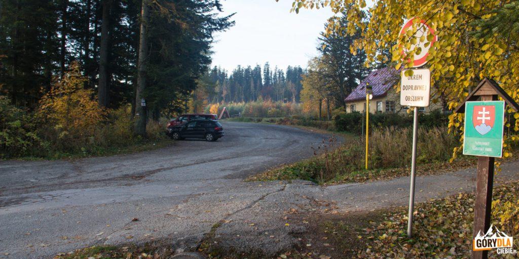 Parking przy przystanku Čarda w tatrzańskiej Kotlinie