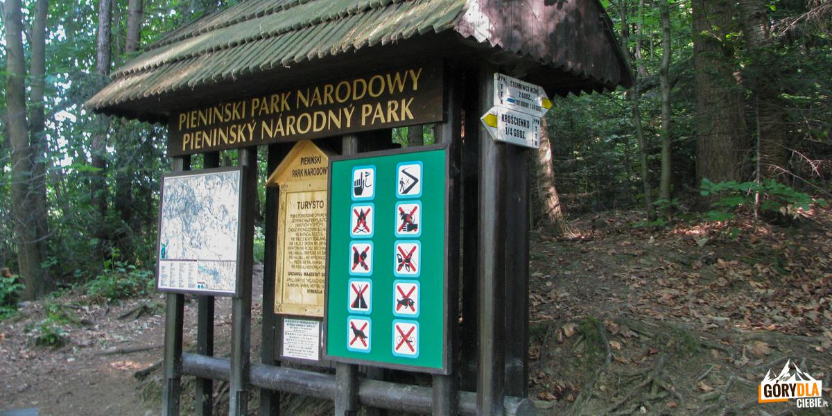 Granica Pienińskiego Parku Narodowego na szlaku zejścia do Krościenka