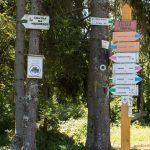 Przełęcz Gromadzka oznaczona na drogowskazach jako Obidza