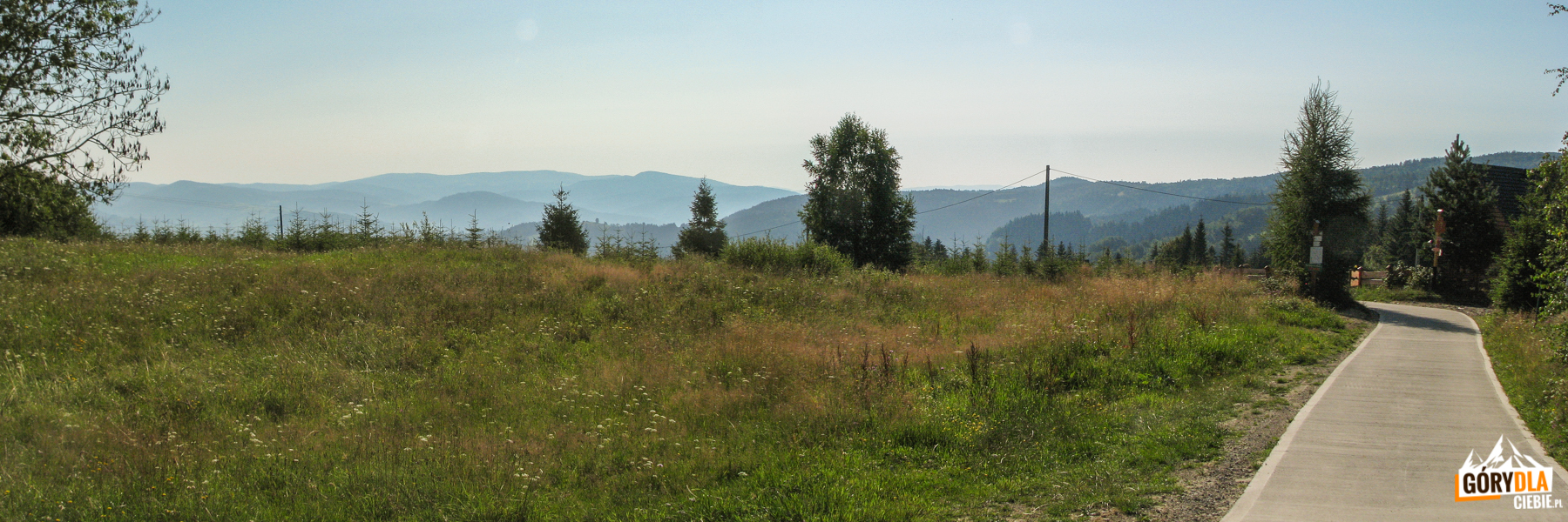 Widoki z Przełęczy Gromadzkiej (Obidza)