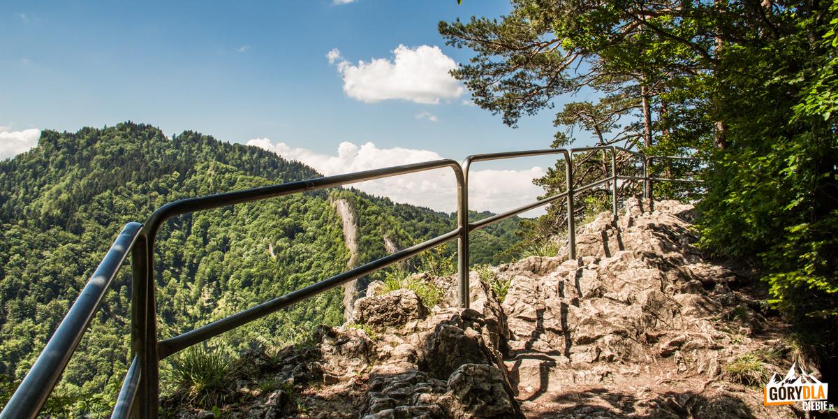 Na szczycie Czertezika (772 m)