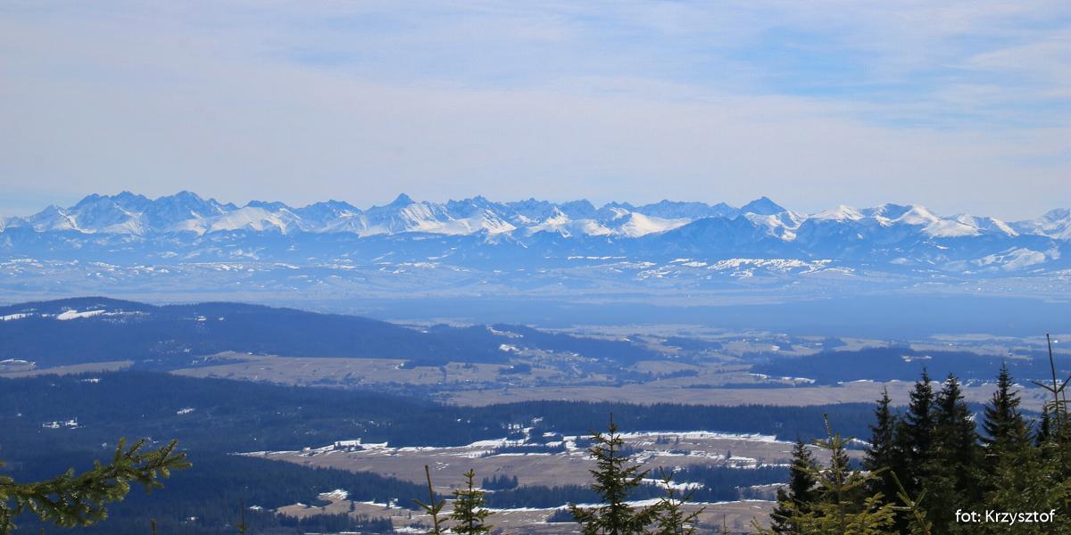 Widoki z Z Czyrńca (1328 m) - niebieski szlaki widok będzie mi towarzyszył na zejściu prawie do końca.