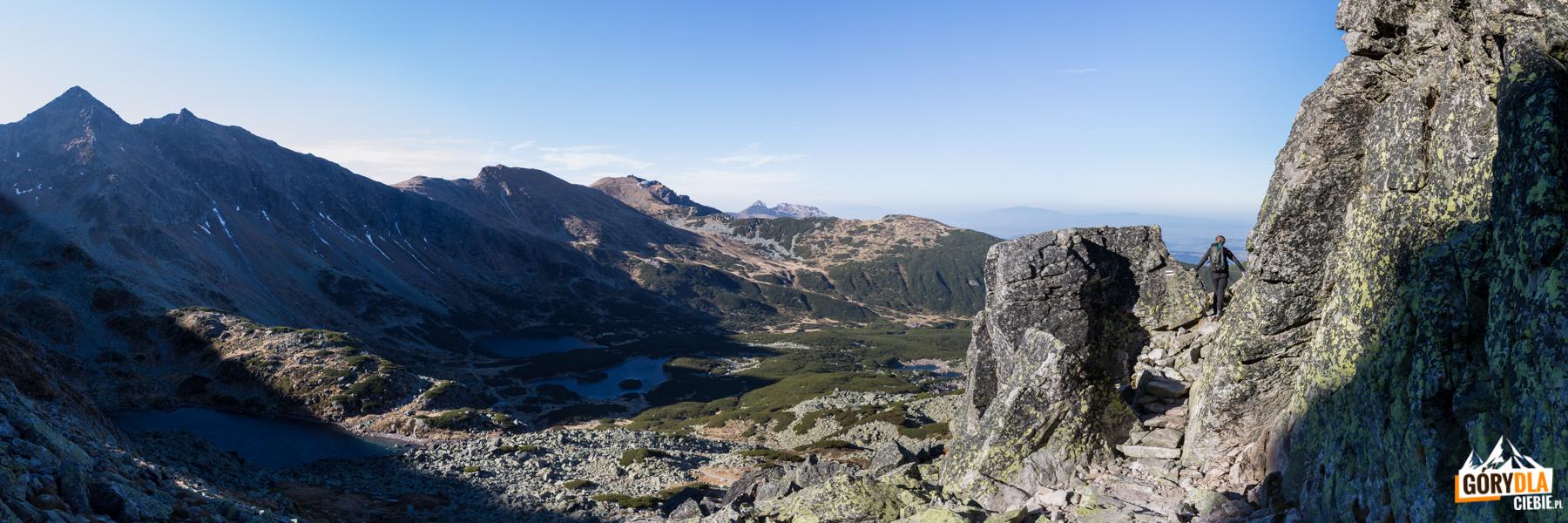 Widok na Dolinę Zieloną Gąsienicową z nad Przełęczy Karb