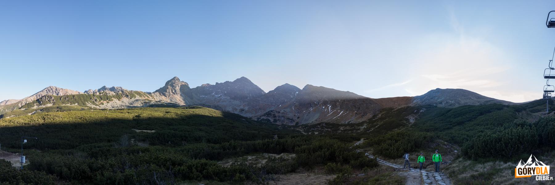Panorama Tatr z drogi z Doliny Zielonej Gąsienicowej do Murowańca