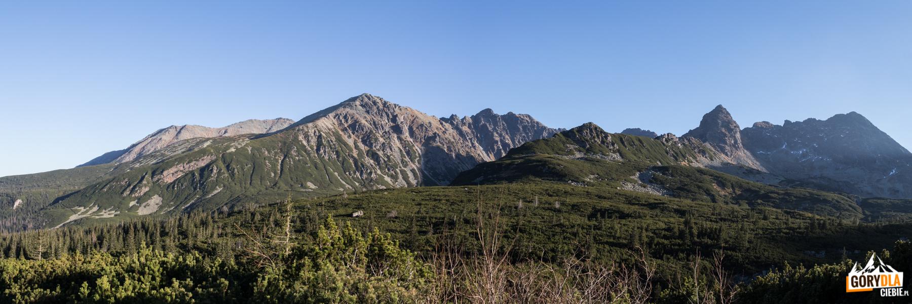 Panorama Tatr widziana z drogi z Doliny Zielonej Gąsienicowej do Murowańca