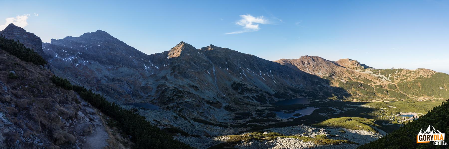 Dolina Zielona Gąsienicowa, a nad nią Świnica widziane z Małego Kościelca