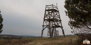 """Wieża widokowa nad """"Dolinią Śmierci""""."""