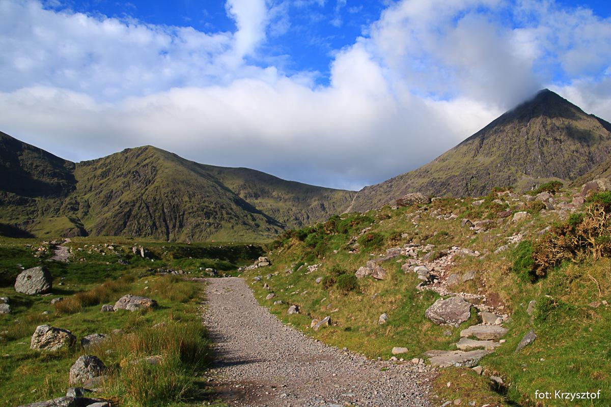 Początek drogi na Carrantuohill - dnem doliny Hags Glen