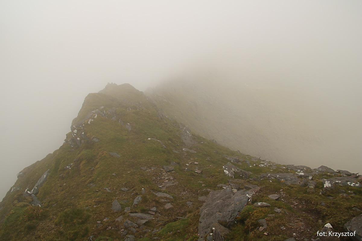 Mgła powoduje, że do przodu niewiele widać, co nas czeka na trasie, a okaże się, że bedzie to najciekawszy fragment dzisiejszej wycieczki
