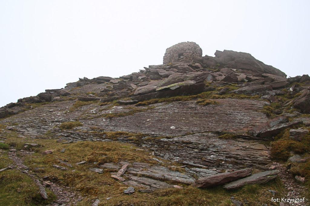 Zejscie ze szczytu CruachMhór