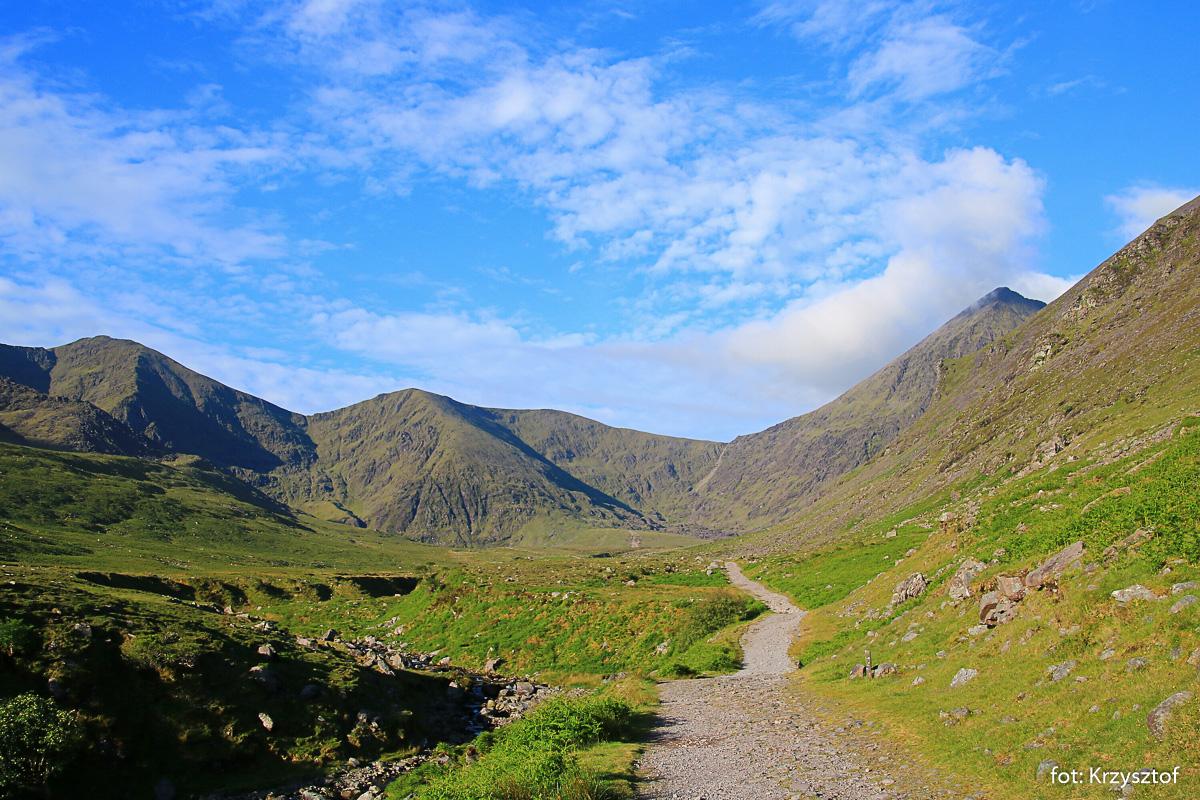 Powrót doliną Hags Glen z wycieczki na Carrantouhill - najwyższy szczyt Irlandii