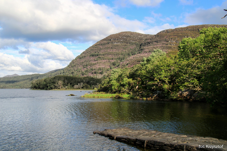 Jezioro Muckross Lake, jedno z trzech słynnych jezior Killarney