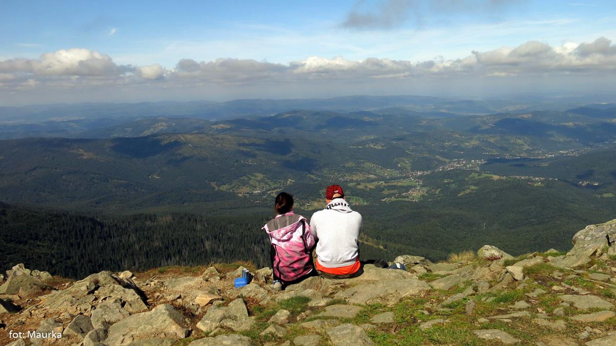 Widoki z Babiej Góry - w dole Zawoja