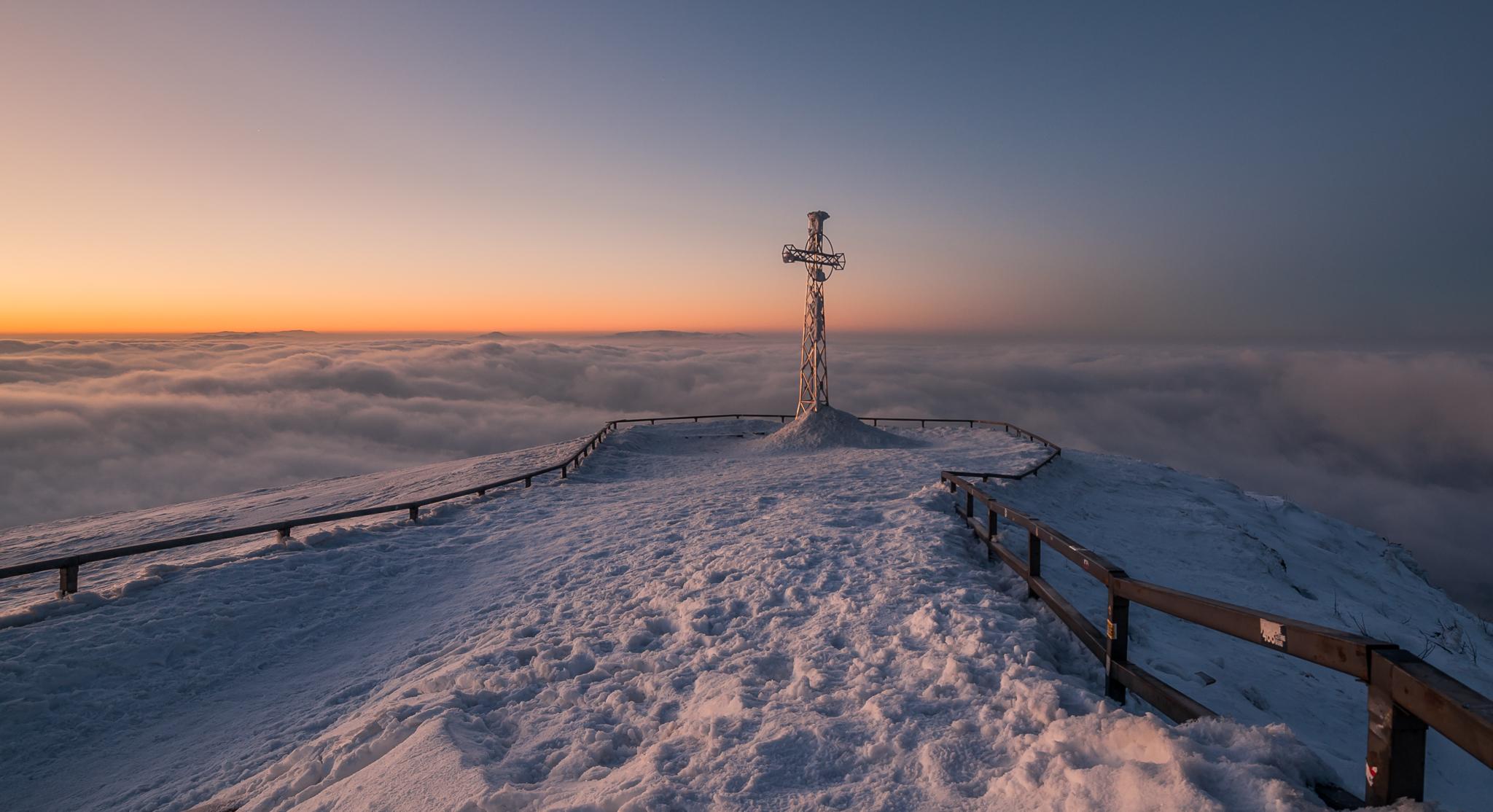 Zimowa inwersja na Tarnicy, zdj. Szymon Ziemba Fotografia