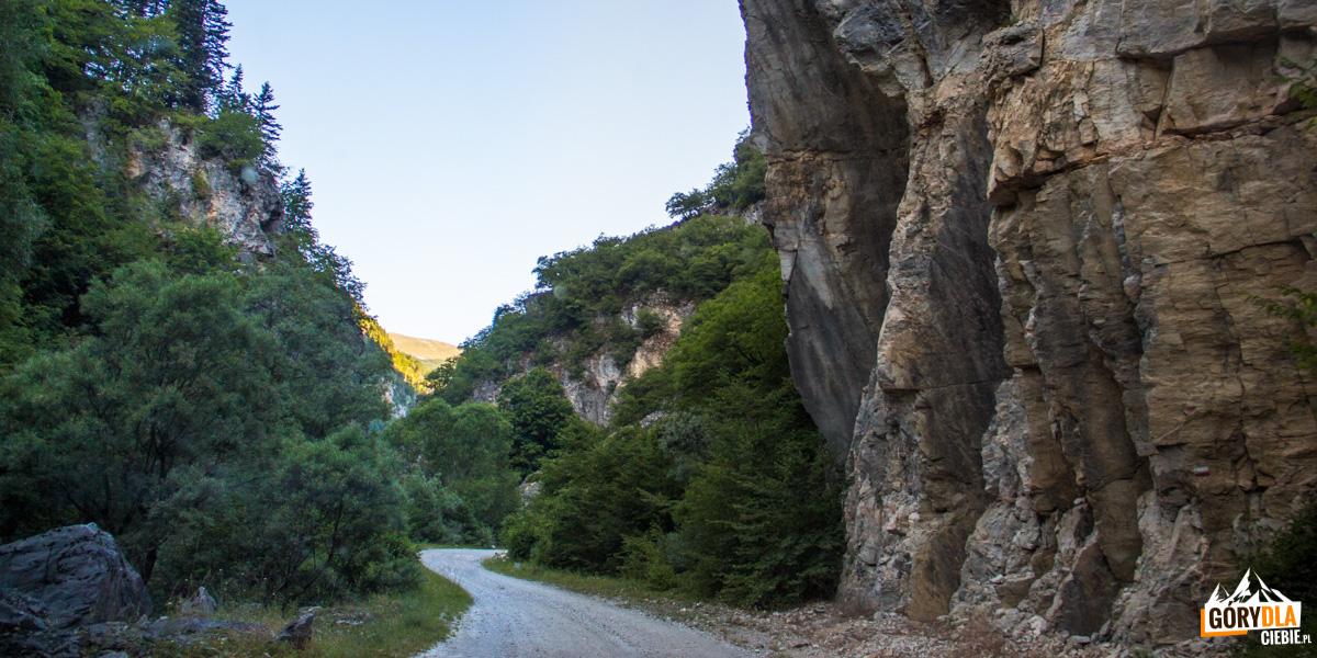 Dojazd do posterunku w dolinie Nichpur