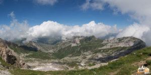 Niesamowite widoki ze szczytu Korabu (2764 m)