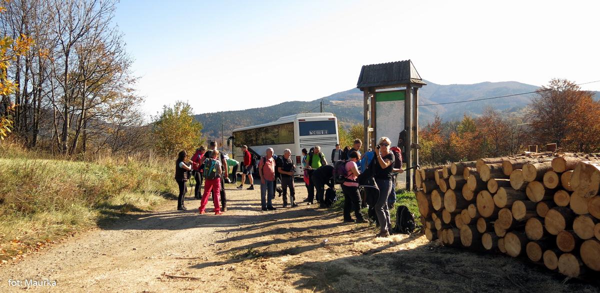 Przełęcz na Wilczycach - początek wycieczki
