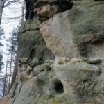 Skały na górze Kamień oraz Żar zdj. Krzysztof Rozowski